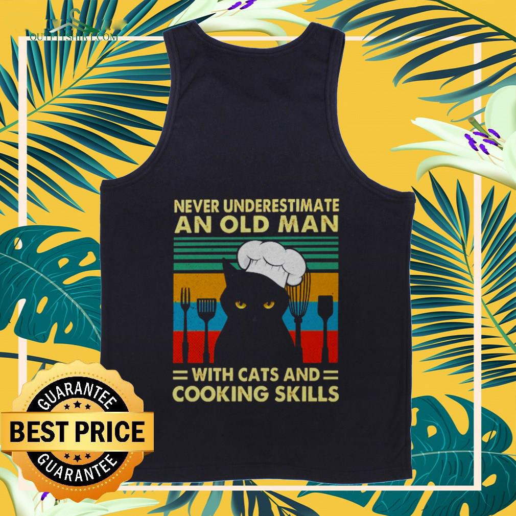 Never underestimate an old man with cats and cooking skills vintage Tank-top