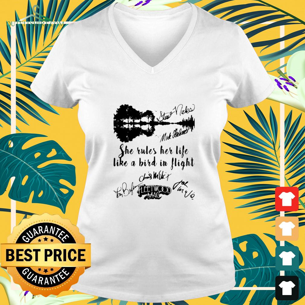 Fleetwood mac she rules her life like a bird in flight signatures v-neck t-shirt