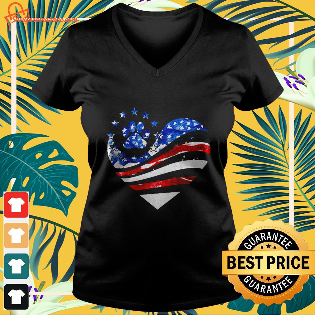 Heart paw dogs American V-neck t-shirt